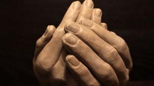 hands-1201826__340